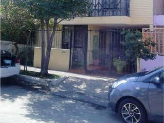 Casa en venta en Jardines Del Country de 191m²
