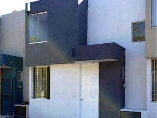 Casa en venta en Fracc Jardines Del Valle de 120m² con Jardín...