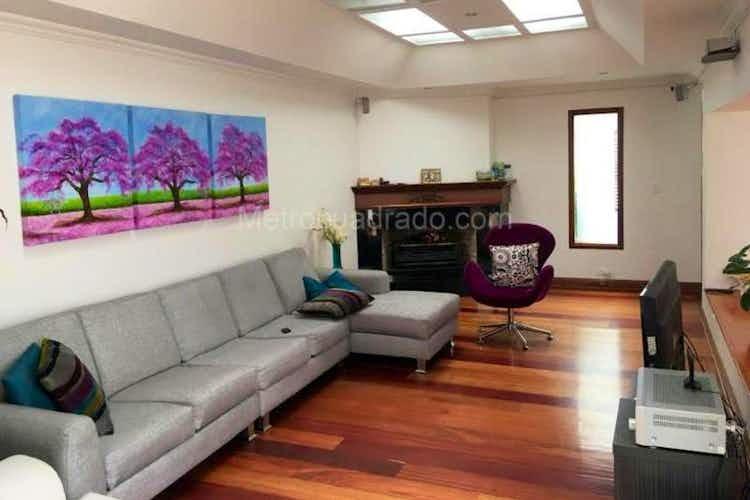 Portada Casa En Venta En Bogota Alhambra- 4 alcobas