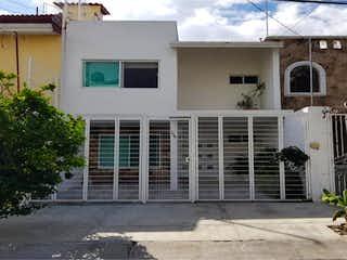 Casa en venta en Fracc Mirador San Isidro de 3 recámaras