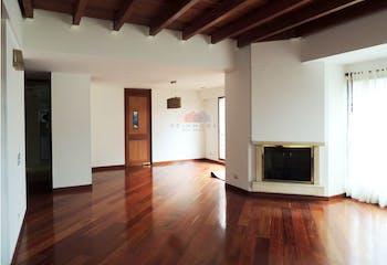 Apartamento en venta en Chicó Reservado, cuenta con 3 habitaciones.