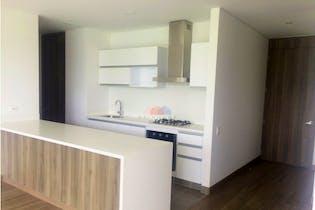 Apartamento en venta en Mazuren en 4 Piso, Balcon y 2 Puestos de Estacionamiento.