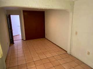 Un cuarto de baño con un inodoro y un lavabo en Casa en Venta en Huentitán el Bajo Zapopan, Jalisco, de 110mts2
