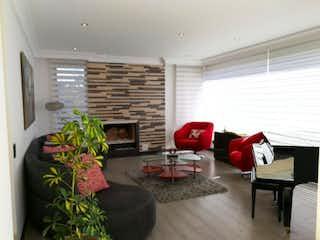 Casa en venta en Colinas De Suba de 4 habitaciones