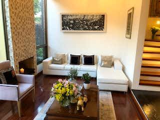 Casa en venta en Cota, 240mt de tres niveles