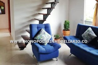 Venta de apartamento en el sector de Valeria, Cuatro Alcobas