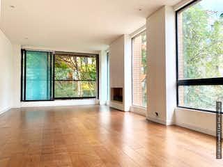 Una sala de estar llena de muebles y una ventana en ESPECTACULAR APTO. ESTRENAR VIRREY 125m2, Dos Alcobas