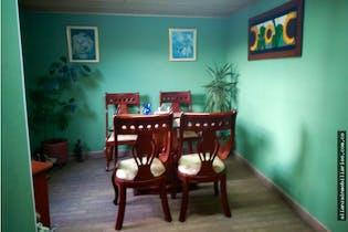 casa en las Acacias, Cuidad Bolívar, Tres Alcobas- 110m2