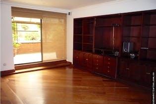 Apartamento en Bosque Medina, Usaquén, Cuatro Alcobas- 347m2.
