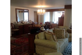 Apartamento en Barrio La Carolina, La Carolina, Tres Alcobas-256m2.