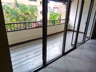 Una vista de un balcón desde una ventana en Casa en venta en La Castellana de 4 hab. con Balcón...