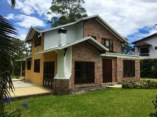Casa en venta en La Laja de 4 habitaciones