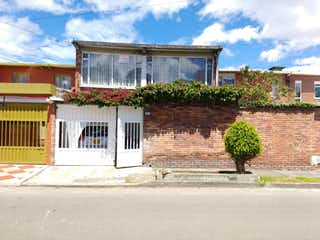 Casa en venta en La Esmeralda con acceso a Jardín