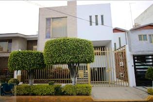 Casa en Venta en Vergel Coapa,amplios espacios