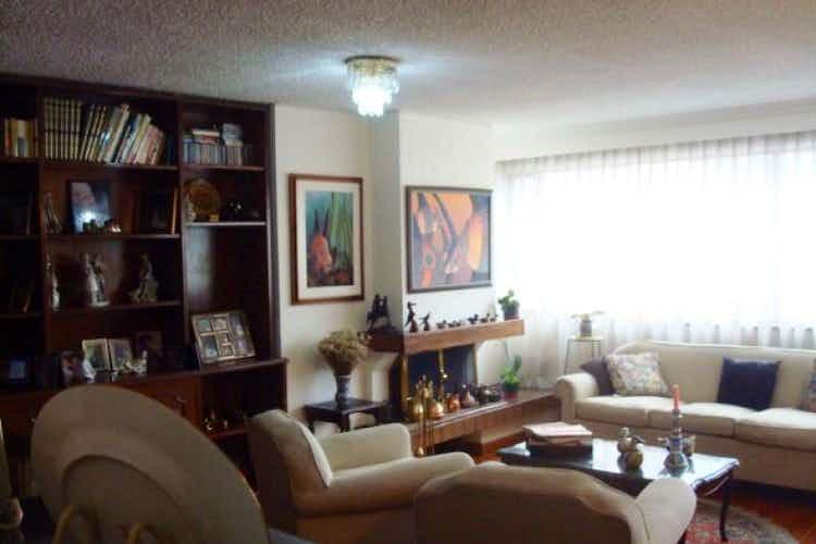 Portada Apartamento en venta, Bogota-Santa Barbara, cuenta con 3 habitaciones.