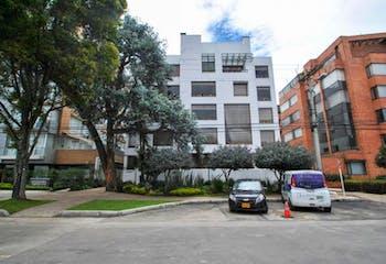 Apartamento En Venta En Bogota Santa Barbara Central-Usaquén, cuenta con 2 habitaciones.