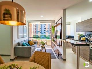 Una sala de estar llena de muebles y una gran ventana en Sabatto Living