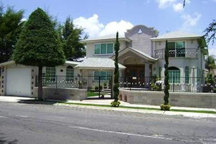 Portada Hermosa casa EN VENTA en Sayavedra
