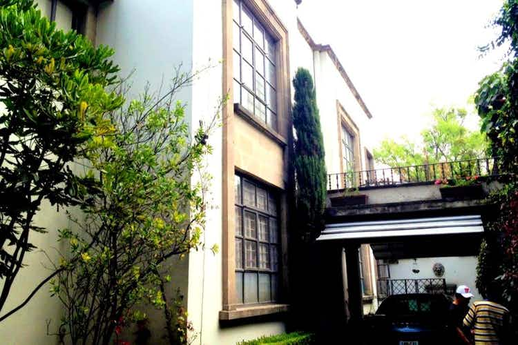 Portada Casa en venta Lomas de Chapultepec, ideal para remodelar