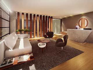 Una sala de estar llena de muebles y una chimenea en Torre Sakai