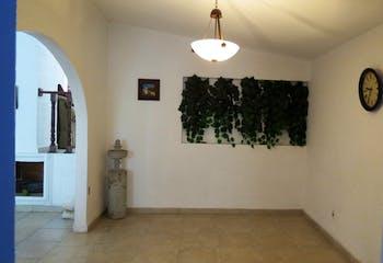 CASA EN VENTA LOMAS DE LA HACIENDA, UBICACION PRIVILEGIADA, VIGILANCIA