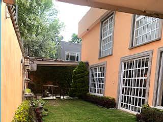 Casa en venta en Lomas De Vista Hermosa de 3 hab. con Jardín...