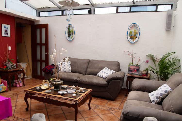 Portada Casa en venta en Viveros de la Loma de tres alcobas