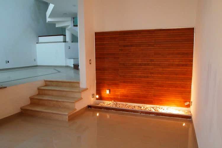 Portada Casa en venta en Jardines De Bellavista de tres recamaras
