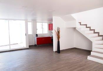 Casa en venta en Lago de Guadalupe con tres recamaras.