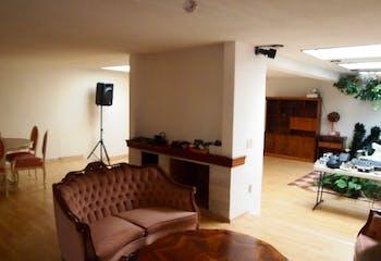 Casa en venta en Magisterial Vista Bella de tres recamaras.