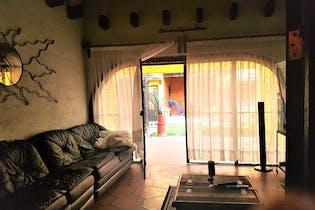 Casa en venta en Santa Cruz Xochitepec, 300mt
