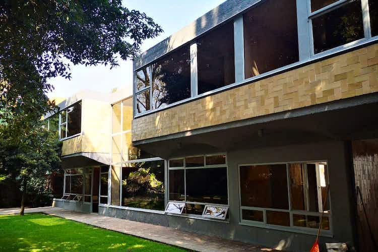 Portada Casa en venta 544 m2 en Santa Catarina, con acabados de lujo