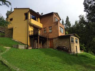 La Calera Excelente Casa Campestre con Vista a Reserva Natural