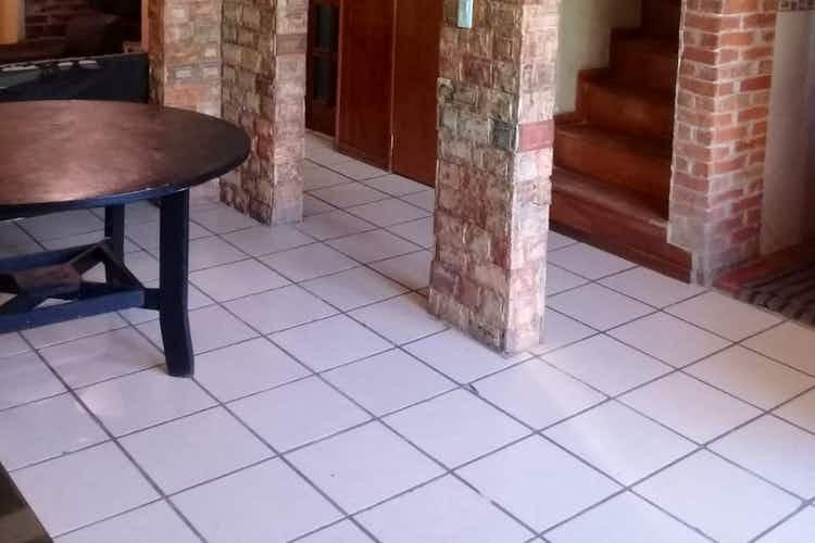 Portada casa en venta en Revolucion de 90 mt2. con chimenea