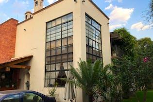 Venta de casa en Coyoacán 452 m2, con chimenea