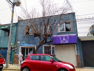 Casa/edif  conformada por 3 deptos y 2 accesorias en Lindavista