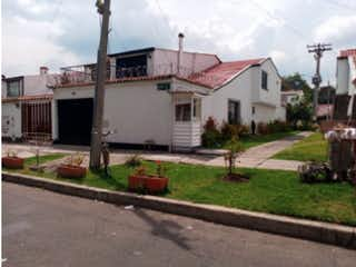 Casa en venta, ubicada en Villa Magdala