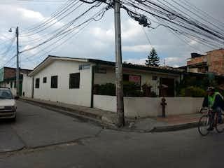 Casa en venta en Casco Urbano Funza de 6 hab.
