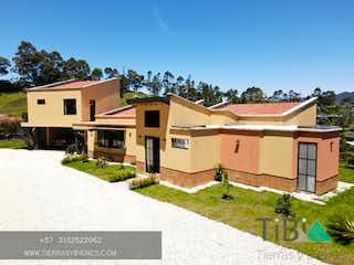 Casa en venta en Santa Ana con acceso a Jardín