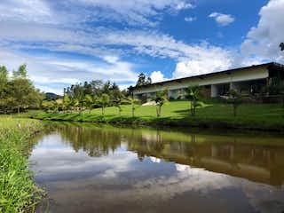 Casa en venta en Aguas Claras con acceso a Jardín