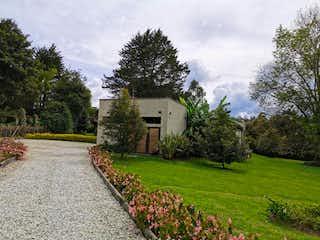 Casa en venta en El Retiro de 3 hab. con Jardín...
