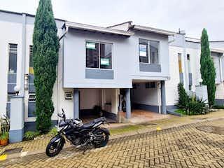Casa en venta en Loma De Los Bernal de 170m² con Jardín...