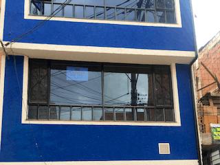 Casa en venta en Engativá Pueblo de 2 alcobas