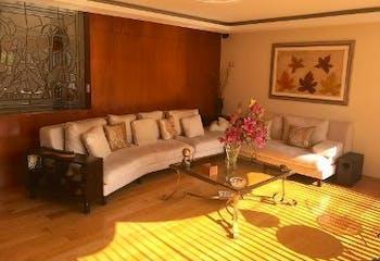 Casa en venta en Lomas Axomiatla de 483mt2 de 4 niveles.