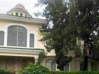 Casa en venta en Fracc Puerta De Hierro de 4 alcobas