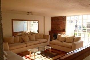 Casa en venta en Lomas de Santa Fe de 340mt2 con terraza.