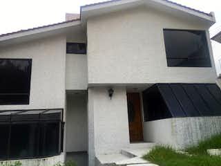 Casa en venta en Paseos Del Bosque, 250m² con Jardín...
