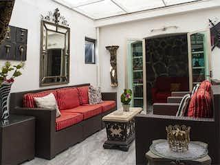 Casa en venta en Jardines Del Country, 256m²