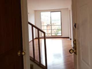 Una ventana que está en una habitación con una ventana en Apartamento en venta en Prado Pinzón con acceso a Gimnasio