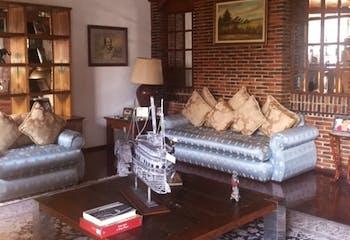 Hermosa Casa en Lomas de Tecamachalco